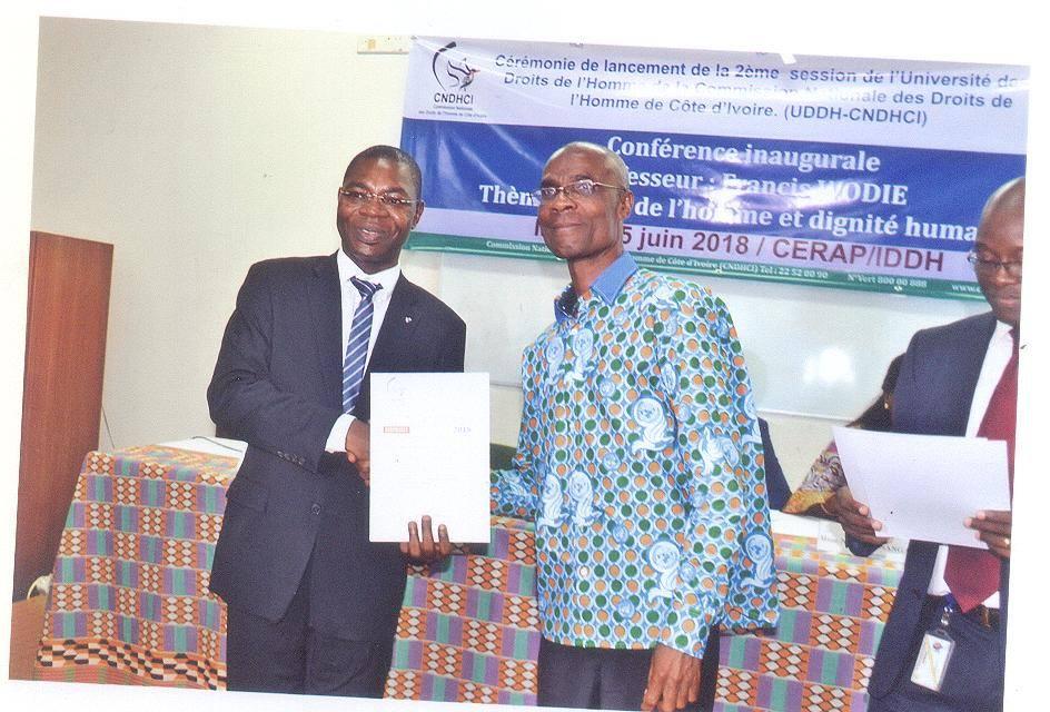 Cérémonie de remise de certificat